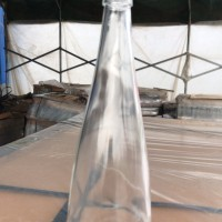 徐州生产晶白料玻璃饮料瓶,厂家直销矿泉水玻璃瓶